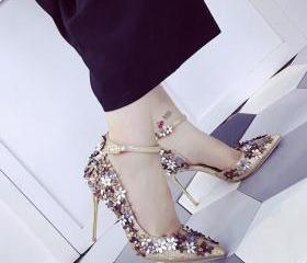 Glittery Pointed Toe..