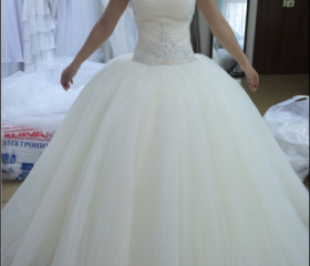Ball gowns Tulle Wed..