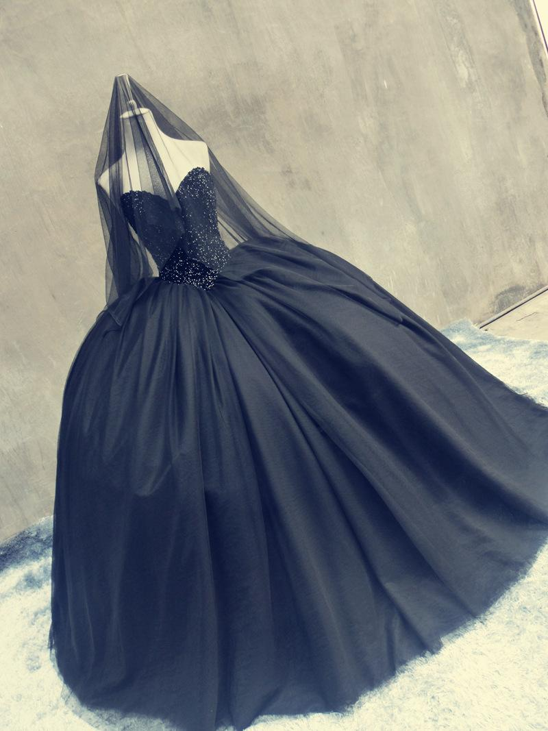 Gothic Black Wedding Prom Ball Gowns Sweetheart Heavy Stones Puffy ...