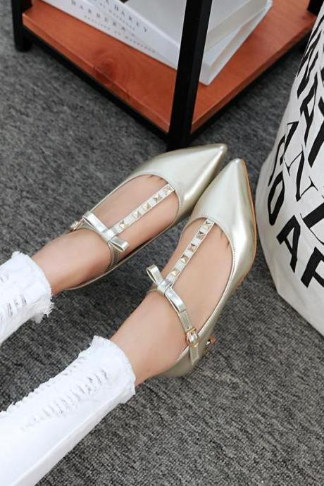 Women's Pure Color Low Heel Thick Heel Band Rivet Pumps