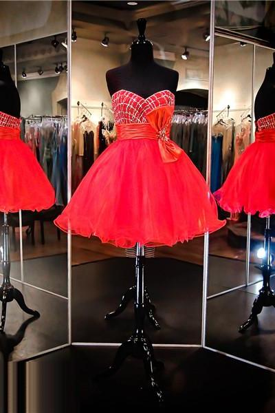 Red Beaded Embellished Sweetheart Short Tulle Homecoming Dress Featuring Bow Accent Belt