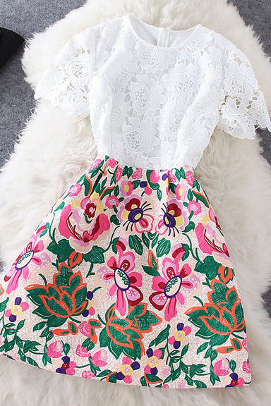 The new fashion style water soluble lace stitching color jacquard Printed Dress