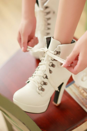 Hot White 4.7in Platform High Heel Ankle Boots