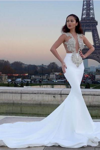 2018 Gorgeous Mermaid Wedding Dresses White V-neck Beads Bodice Satin Wedding Dress