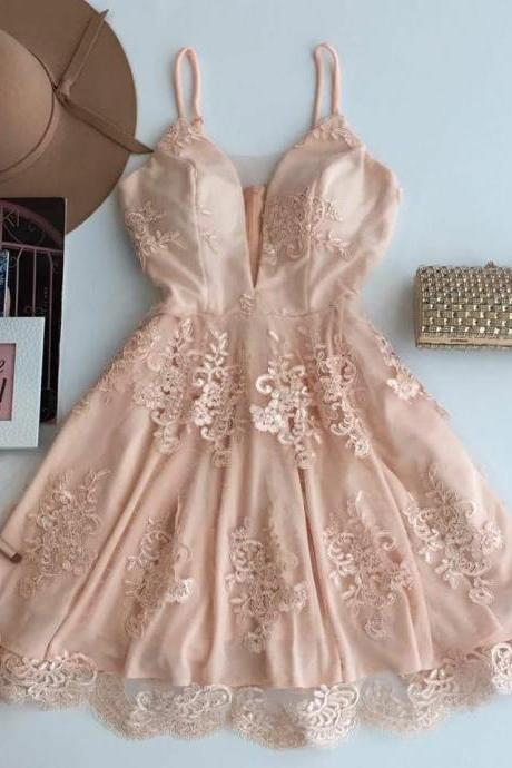A-Line Spaghetti Straps Homecoming Dress,Short Champagne Tulle Homecoming Dress