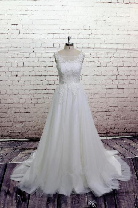 2017 High Quality Lace Wedding dress, Bateau Neck Bridal gown, Simple Wedding gown