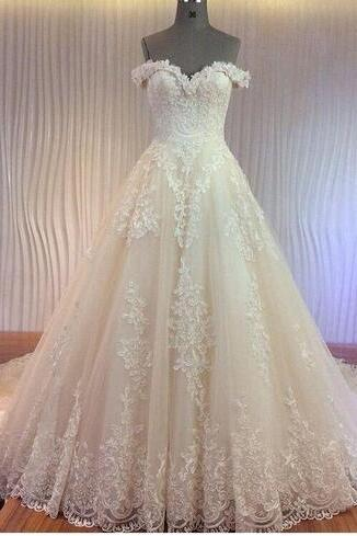 Wedding Dresses 2018 with Luxury Corded Lace Appliques