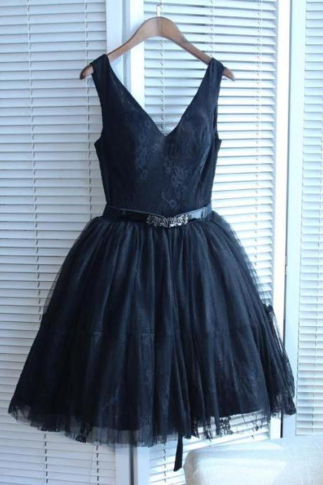 Black Homecoming Dress V-neck Short/Mini Prom Dress Juniors Homecoming Dresses