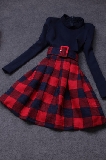 Sweet Plaid Long-sleeved Knit Dress
