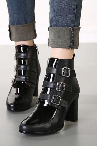 Classic Design Black Pointed Toe Chunky Heel Boots