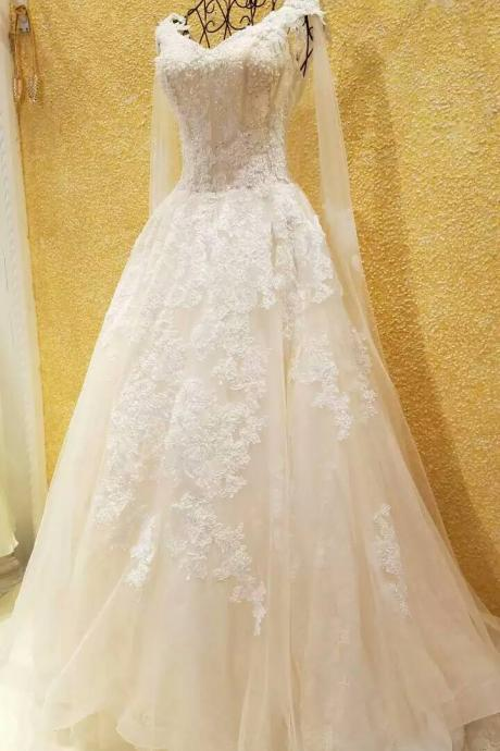 Wedding Dress,Wedding Gown,Bridal Gown,Bride Dresses,Long Lace Wedding Dresses,Pearls Wedding Gown,Ball Gown Wedding Dress,Princess Wedding Gown,Luxury Wedding Gown.Ivory Wedding Dress