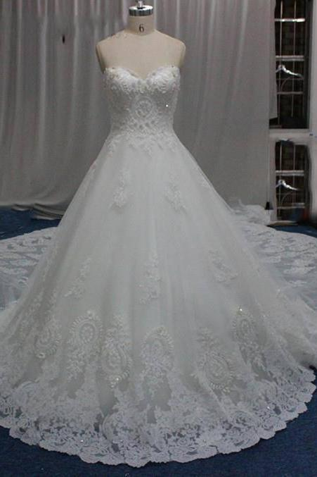 Royal Designer Wedding Dresses Luxury Big Train Lace Applique Sweetheart Backless A line Wedding Dresses Sequin Beaded Bridal Gowns Cheap