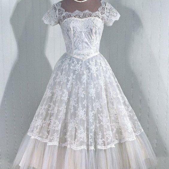 Vintage Ball Gown Lace Beach Wedding Dresses Cap Sleeve Mini Short Brdial Gowns