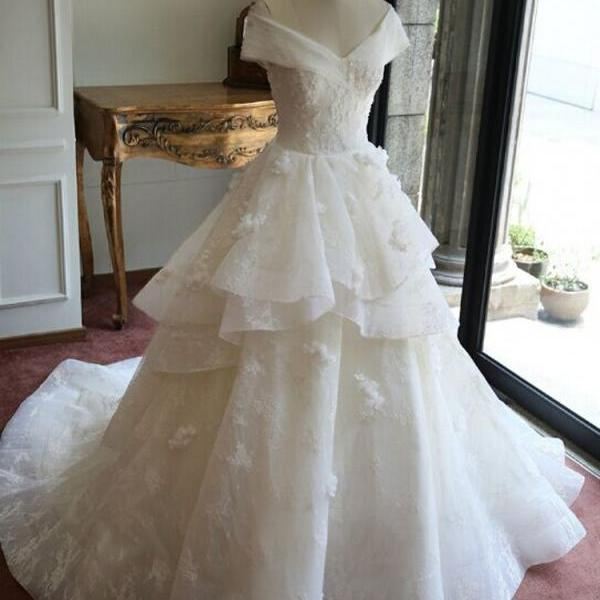 Cheap wedding dresses 2017,Fashionable Ball Gown Luxury Lace Real Wedding Dresses 2017 V-neck Appliques beaded Court train Wedding gowns Bride Dress