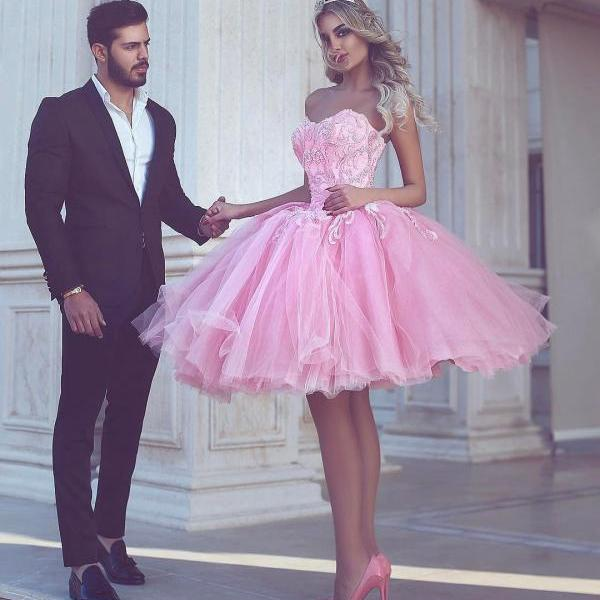 Cheap homecoming dresses 2017,Arabic Short Prom Dresses 2017 Sexy Pink Ball Gown Tulle Said Mhamad Dress Robe de Soiree Sweetheart Beaded Lace Teens Prom Gowns Knee Length Party Dress