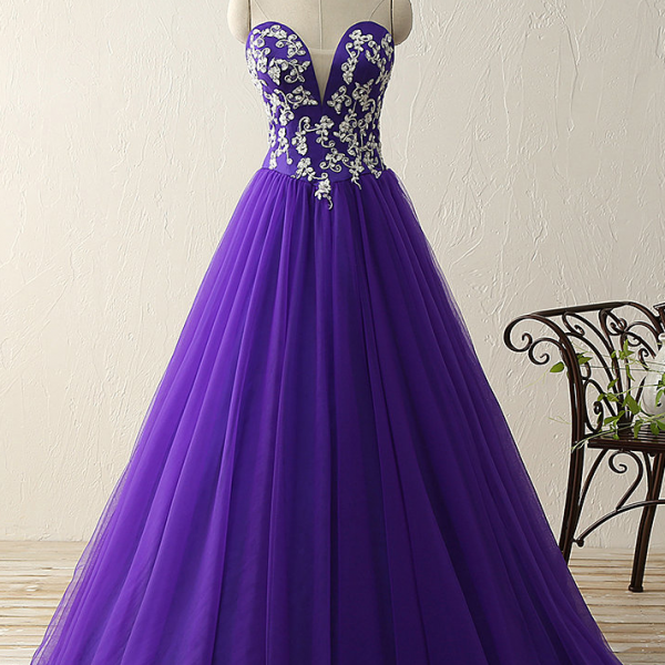 Cheap prom dresses 2017,Purple sweetheart deep V neck appliques beads ball gown vintage dresses