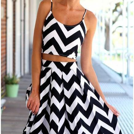 Black & White Chevron Two Piece Set